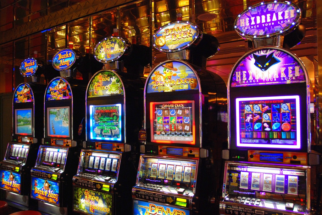 Playing Slot Machines – Tips and Tricks to Win Huge Prize